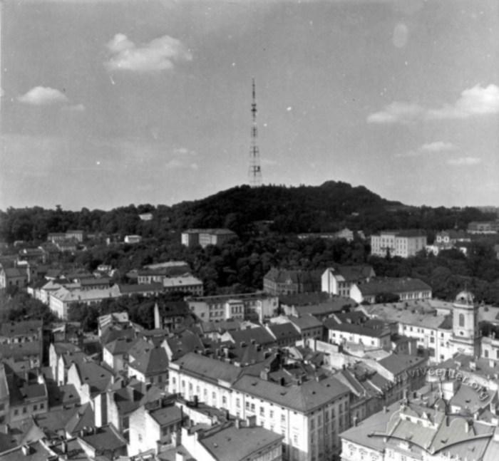 Вид на Високий Замок з телевежою. Фото 1960-1980 рр.