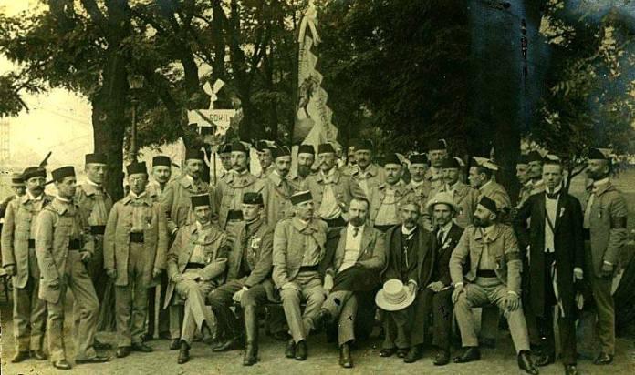 Представники українського «Сокола» на з'їзді у Празі. 1912 рік. Крайній справа – Іван Боберський.