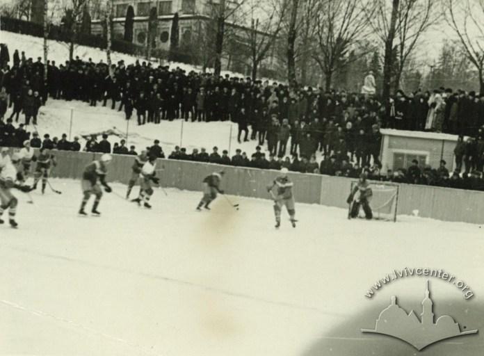 Хокейна площадка в Парку культури. Фото кінця 50-х - початку 60-х рр.