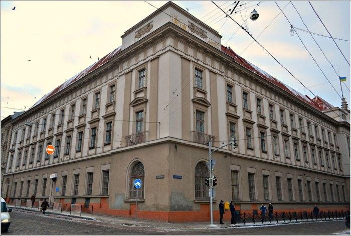 Будинок Головної пошти на ділянці вулиць Словацьокого-Коперника. Фото Тетяна Жернова 2016 рік