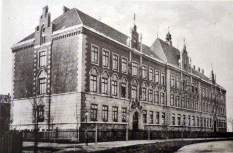 Школа імені Генрика Сенкевич (сучасна вул. Залізняка 21), фото 1918 р.