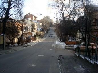 Спуск Шумського-Цегельського (вигляд із вулиці Цегельського), 2015 рік