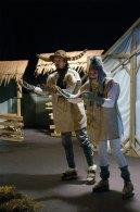 Сцена з вистави «Віл та осел при яслах»