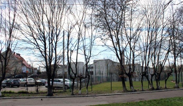 Перспектива на місце за львівською облдержадміністрацією, де колись проходила «лінія Беренса»