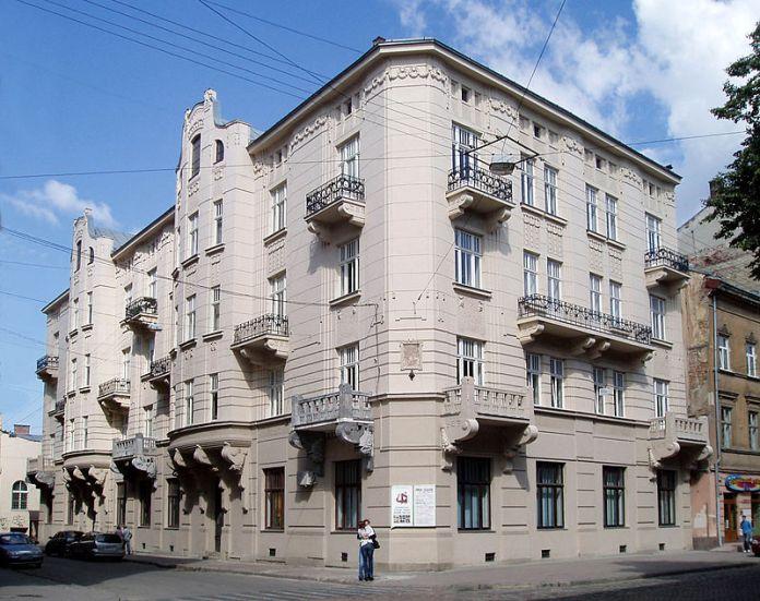 Будинок на сучасній вулиці Князя Романа, 30, де ймовірно народився Парандовський. Джерело: http://zbruc.eu/node/34660