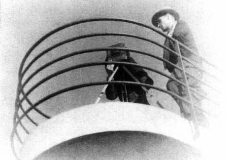 Роман Турин в Парижі (перша пол. 1930-х рр.), за камерою Станіслав Ліпінський (з архіву Галини Гронської)