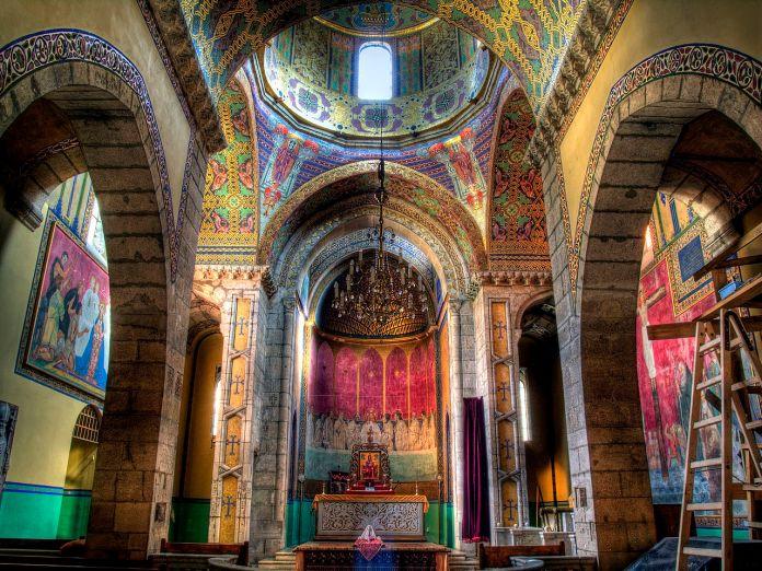 Інтер'єр Вірменської церкви. Сучасне фото