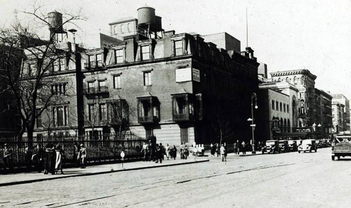 Єврейський театр на Другій авеню, дата фото невідома