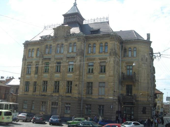 """Колишній будинок кредитного товариства """"Дністер"""". Сучасне фото"""