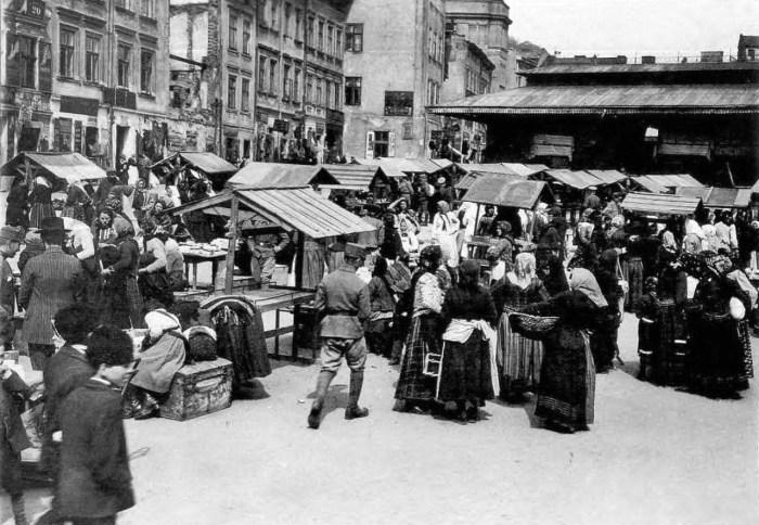 Ринок на площі Краківській. Фото 1914-1916 рр.