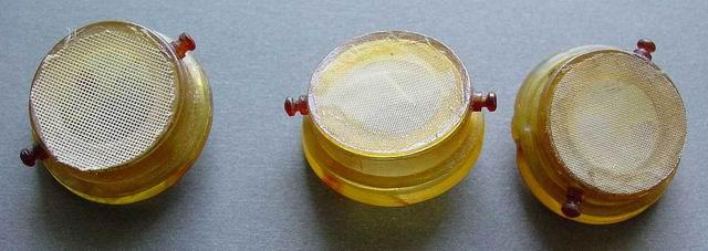 Круглі кліточки для вошей із пластику та марлі