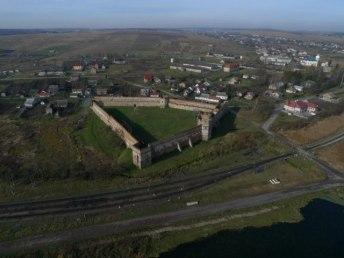 Старосільський замок. Вигляд з висоти. Сучасне фото