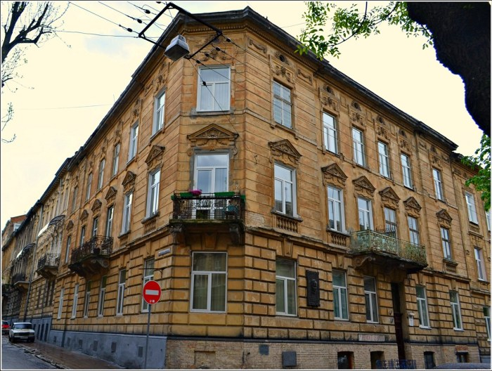 Тут жив Йозеф Рот – вулиця Чехова, 7 (фото Тетяна Жернова, 2016р)