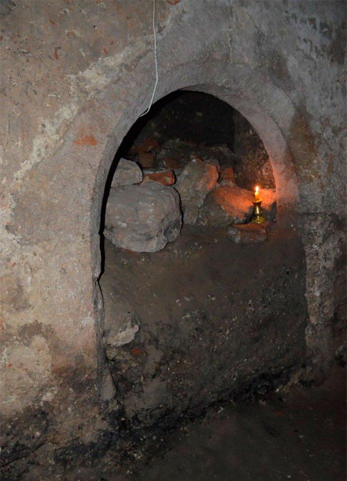 Найнижчий рівень підземель костелу - підвали давнього будинку
