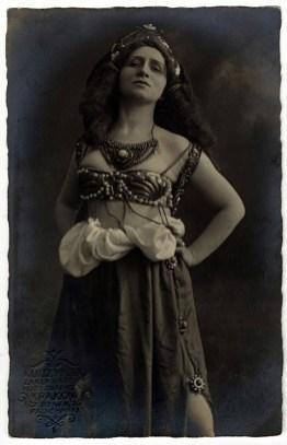 Ірена Сольська, Краків 1914 р. Джерело: http://wydarzenia.o.pl/2015/09/tadeusz-pawlikowski-i-jego-teatr-muzeum-historyczne-miasta-krakowa/#/