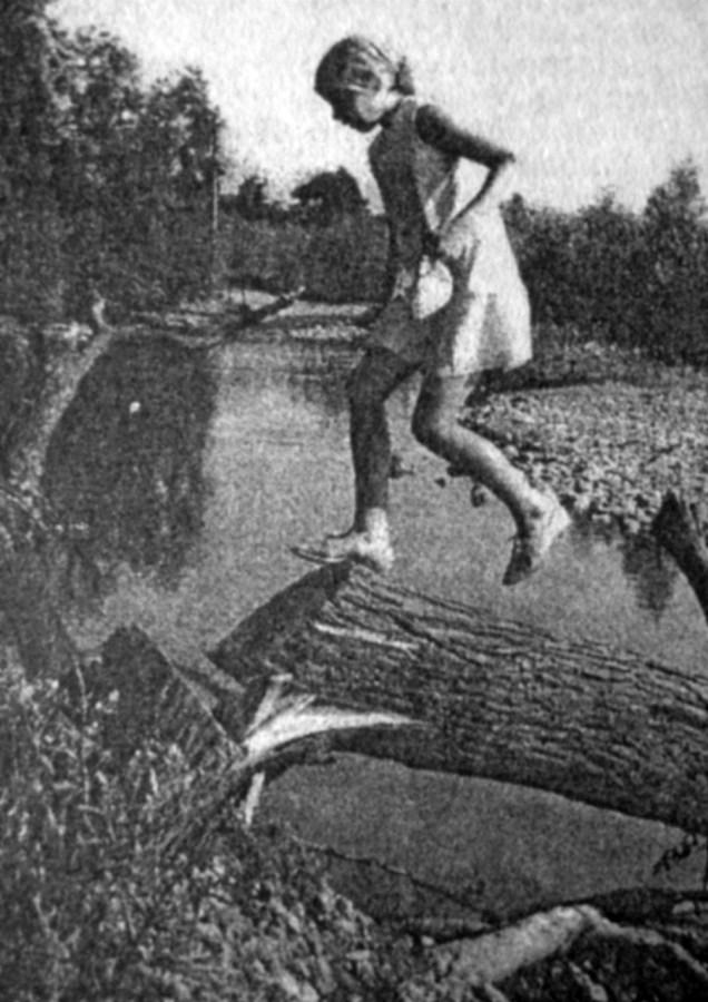 Ярослав Коваль. Одного разу кудись бігла дівчина (Кассараба М. Його світлини – промені у вічність // Дзвін. – 2010. – № 8. – С. 106–112)