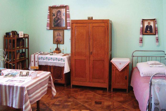 Музей у колишньому помешканні владики Василя Величковського, де 2 квітня 1959 р. відійшов до вічності блаженний Миколай - http://map.ugcc.ua/view/57-muzey-blazhennogo-svyashchennomuchenyka-vasylya-velychkovskogo-lviv