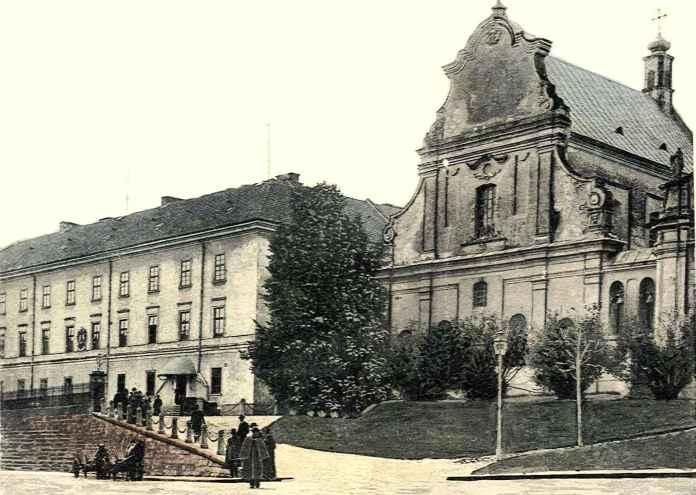 Колишній головний корпус університету, в котрому в 1852-1905 рр. містилась університетська бібліотека