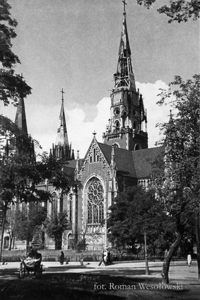Руйнування Львова під час війни, фото Романа Весоловського