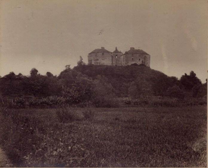 Вид на Олеський замок. Фото 1880 року