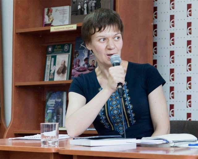 Таміла Тарасенко, авторка романів «Зозулята зими» та «Крила кольору хмар». Фото: Ксенія Янко