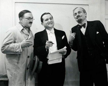 «Весела Львівська Хвиля» під час гостьових виступів у Кракові в 1936 році. Зліва направо: Мечислав Мондерер, Віктор Будзинський і Адольф Флейшер