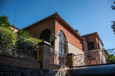 Будинок на вул. Літній, 4, так званий будинок скульпторів, фото М. Ляхович