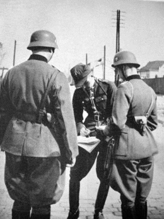 Польські парламентери ведуть переговори з німецькими військами, 1939 рік.