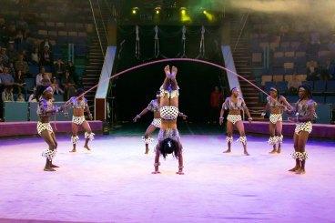 Гурт дивовижних акробатів з Африки «Кенія бойс»