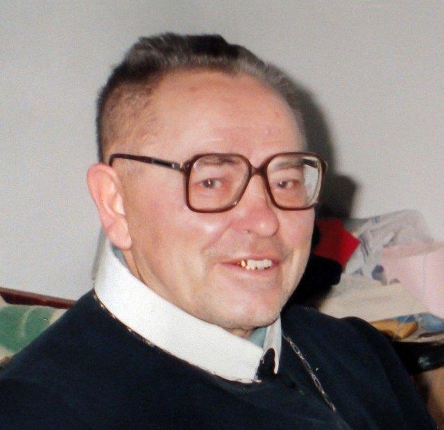 Отець Юрій Потерейко