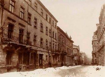 Львів, будинок по вулиці Дорошенка, 42. Фотографія 1918 року