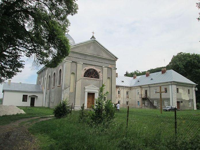 Краснопущанський монастир. Фото з https://uk.wikipedia.org