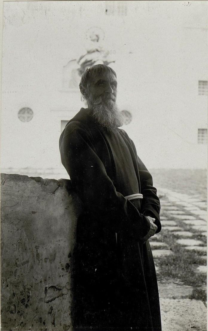 Монах з монастиря в Олесько. Галичина, початок XX століття