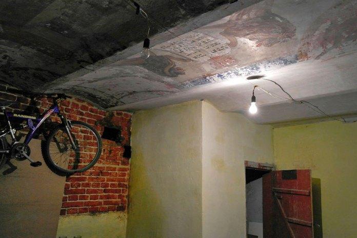 Стеля в кімнаті молитви. Підвал кам'яниці на вул. І. Франка 71. Фото http://galinfo.com.ua/