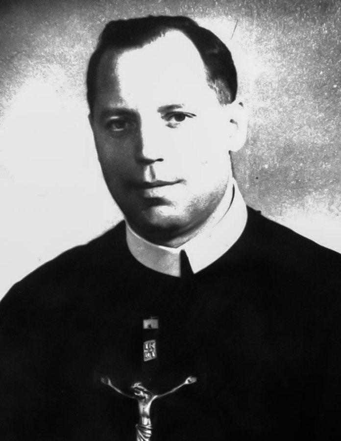 Отець Михайло Щудло