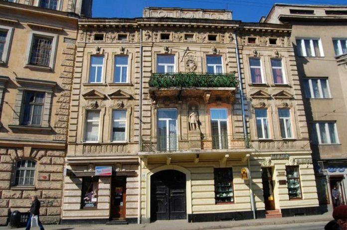 Будинок №28 на вулиці Франка. Колись тут було проектне бюро і помешкання Едмунда Жиховича