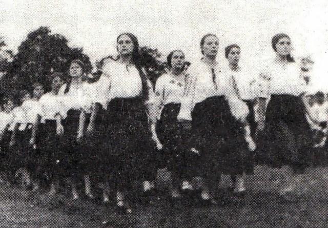 Посестри (сокілки) на здвигу, 1934р.
