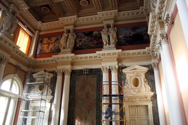 Реставраційні роботи в актовій залі «Львівської політехніки. Фото: Анастасія Нерознак