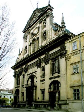 Фасад храму свв. апп. Петра і Павла