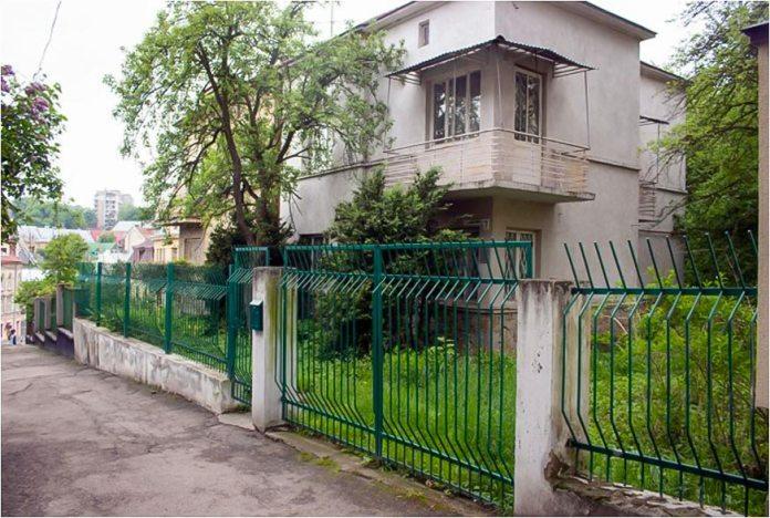 Будинок Станіслава Людкевича у м. Львові по вул. Людкевича, 7.