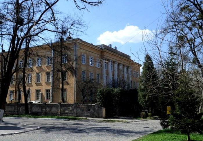 Виховний заклад Абрагамовичів, зараз тут Львівська обласна лікарня позалегеневого туберкульозу