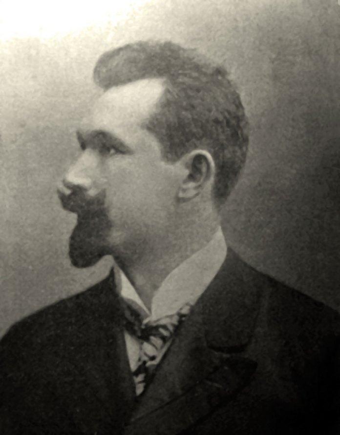 Григорій Кузневич – автор горельєфів у Великій залі МТЛ