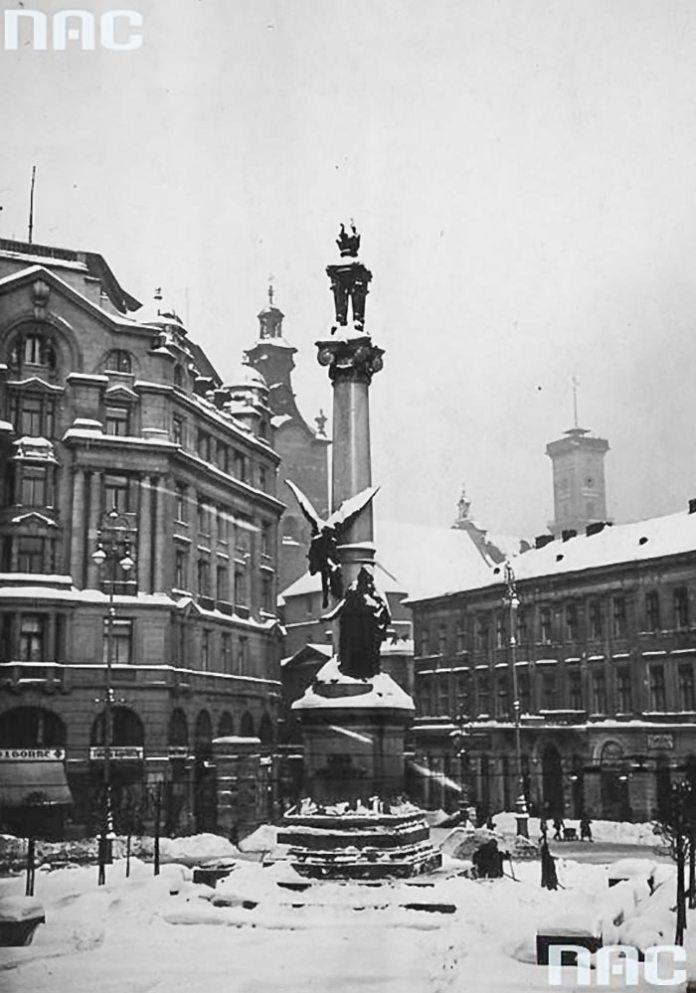 Листівка із зображенням пам'ятника Адаму Міцкевичу надіслана 14 жовтня 1915 року(фонди NAC)