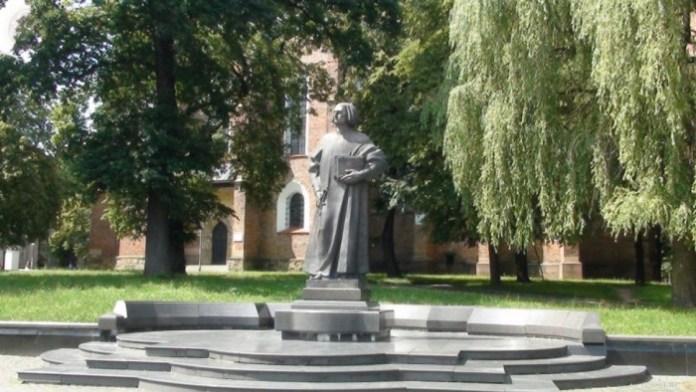 Пам'ятник Ю. Дрогобичу, м. Дрогобич. Фото з http://photo-lviv.in.ua