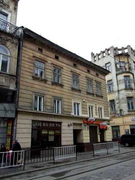 Будинок на вулиці Дорошенка №13. Тут проживав архітектор Генрик Сальвер
