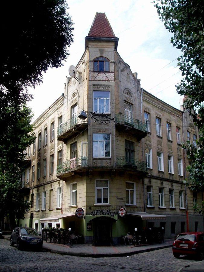 Будинок на вул. Глибокій №16