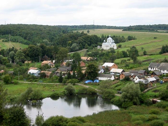 Село Кугаїв на річці Зубра