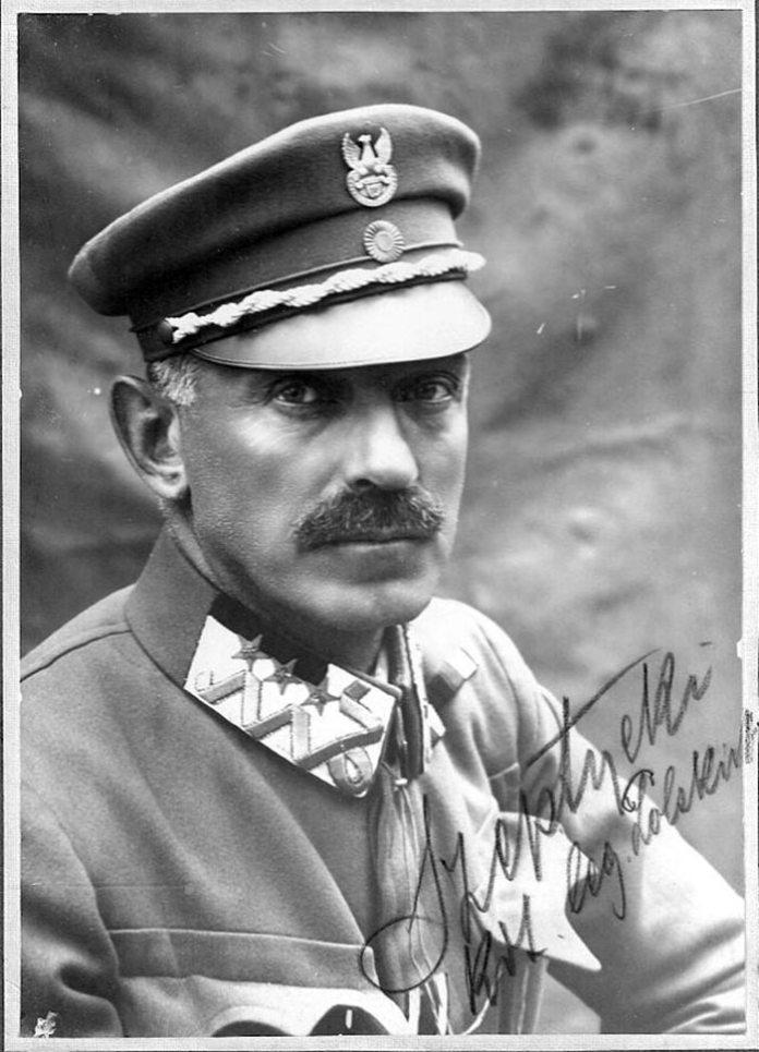 Станіслав Марія Ян Шептицький — граф, генерал-майор цісарсько-королівської армії Австро-Угорщини, генерал-поручник Війська Польського.