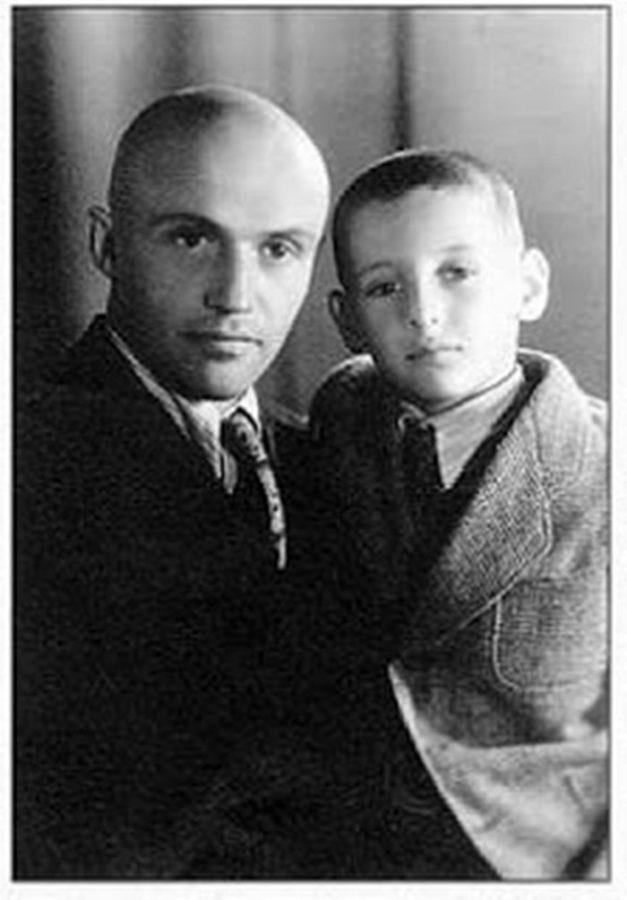 Михайло Сорока з сином Богданом (1949)