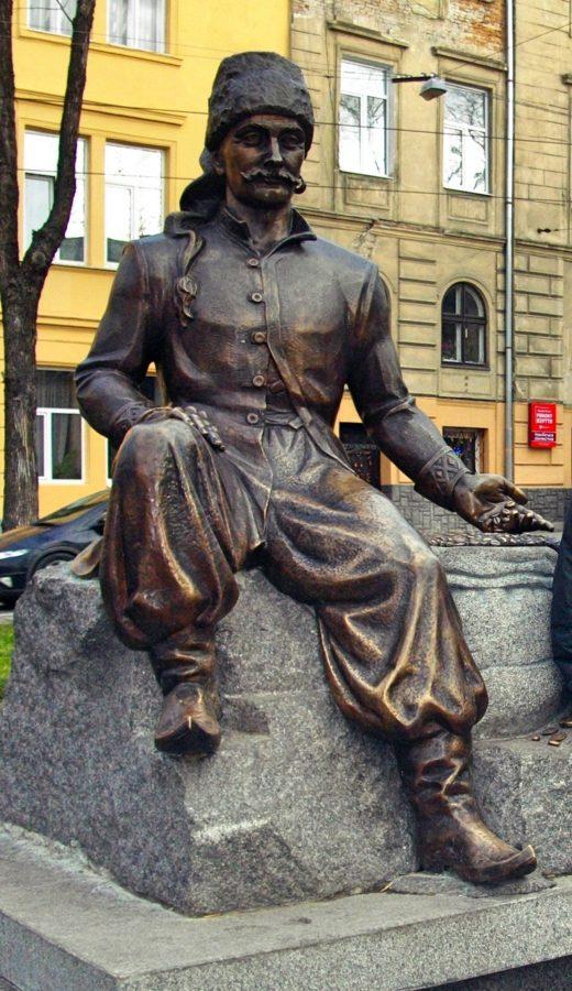 Пам'ятник козакові Кульчицькому і його мішечкам з кавою. Фото Сергія Гуменного